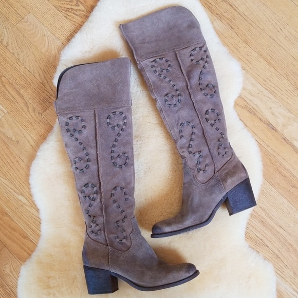 750741181e7 Carlos Santana Shoes - Carlos Santana high shaft boot womens 8M